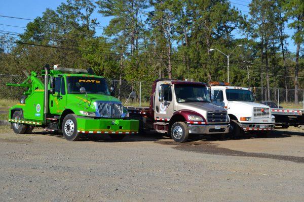 Grúas y camiones en chiriquí